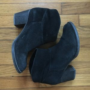 Kurt Geiger ankle leather boots